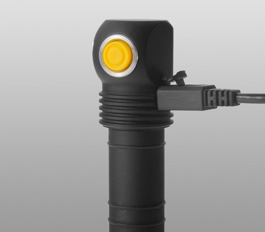 Đèn Pin ARMYTEK ELF C2 Sáng Vàng