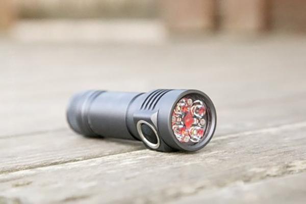 Đèn pin emisar d4 XPL Hi 4300 lumens – Đèn pin sáng nhất thế giới 1 pin