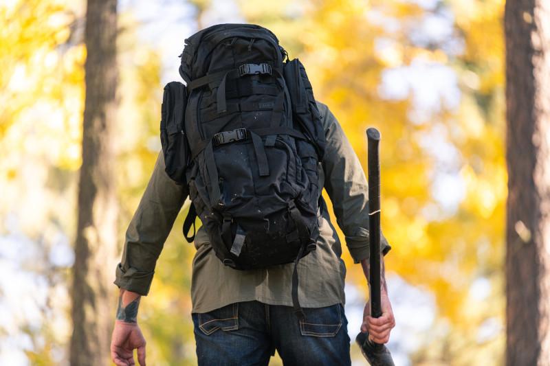 Backpack là gì? Có bao nhiêu loại? Backpack khác gì so với Rucksack?