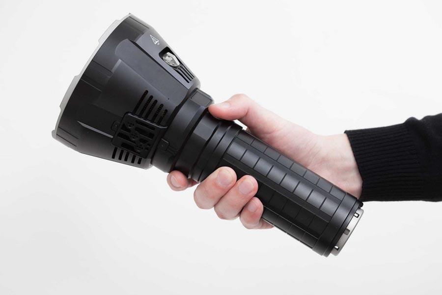 Các loại đèn pin siêu sáng tốt nhất hiện nay