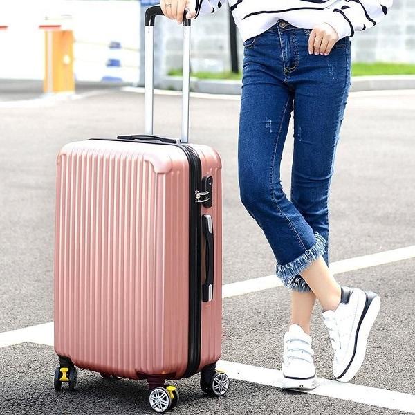 đồ dùng cần cho chuyến du lịch
