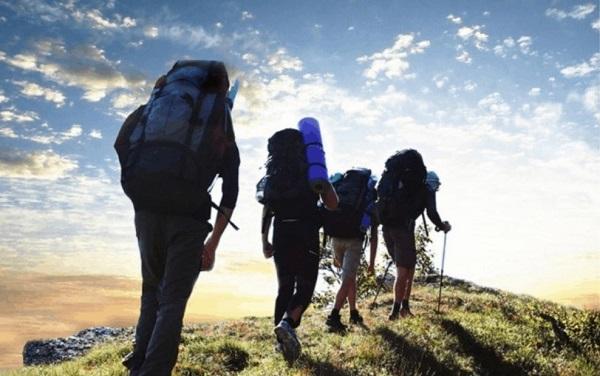 Kinh nghiệm đi leo núi an toàn cho người mới bắt đầu