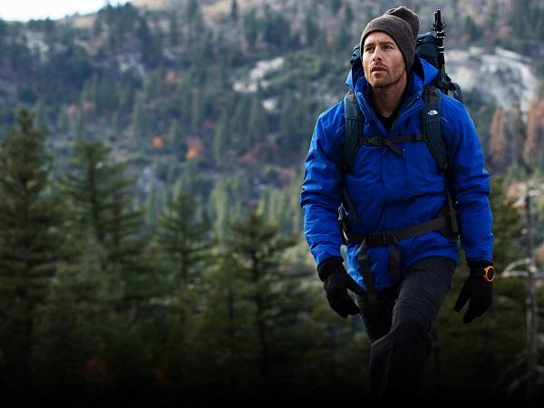 trang phục leo núi phù hợp