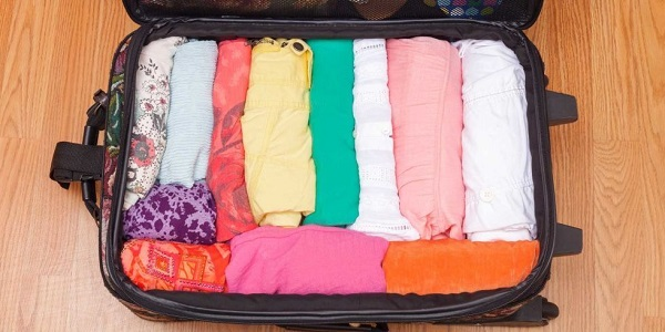 Cuộn quần áo để xếp được nhiều hơn