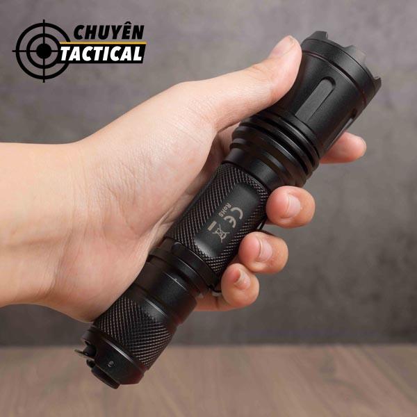 đèn pin chiếu sáng Fenix - LD15R