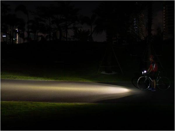 đèn pin cho xe đạp siêu sáng