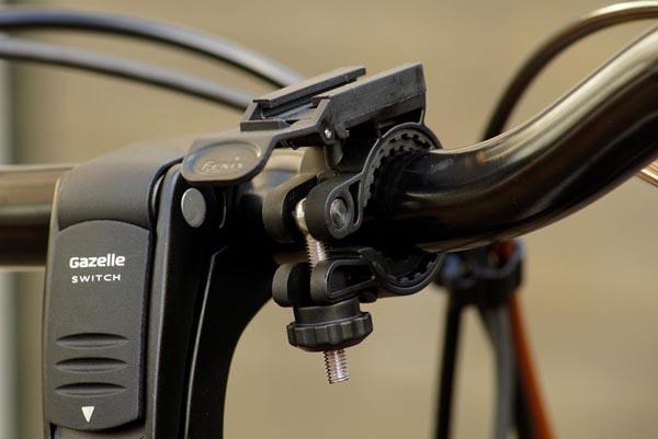 đèn pin xe đạp chiếu sáng tiện dụng