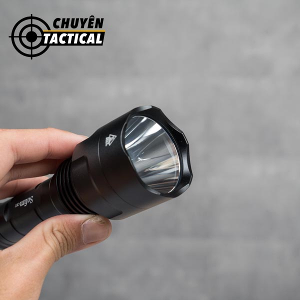 tự vệ với đèn pin