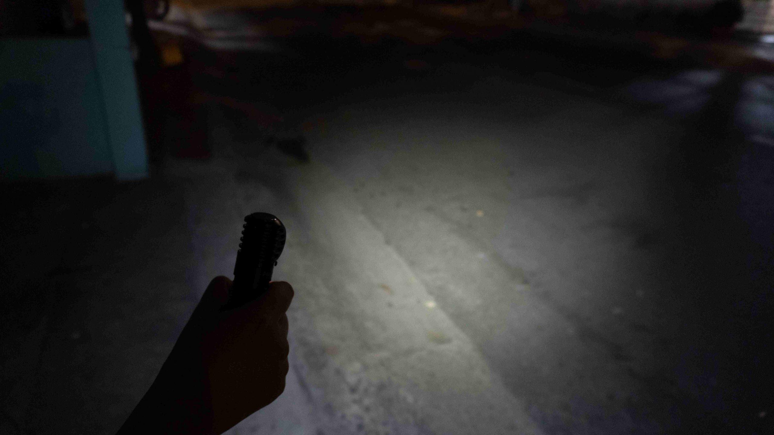 120 lumens ở ngoài trời (thời lượng 18 tiếng)