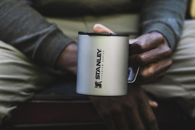 Cốc giữ nhiệt Stanley The Stay-Hot Titanium Camp Mug - 12 oz