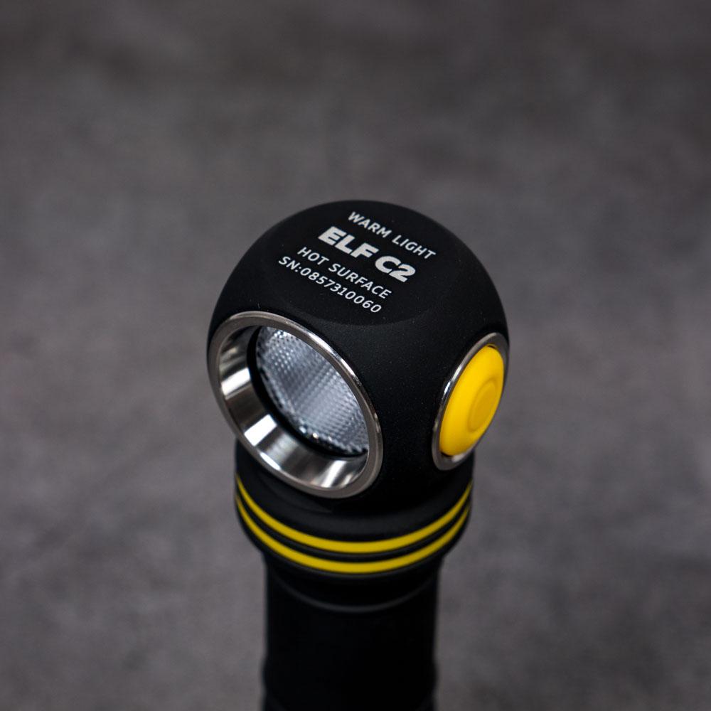 Công tắc bên của đèn gù Armytek ELF C2 được đánh giá cao nhờ tính tiện dụng và dễ dàng khi thao tác
