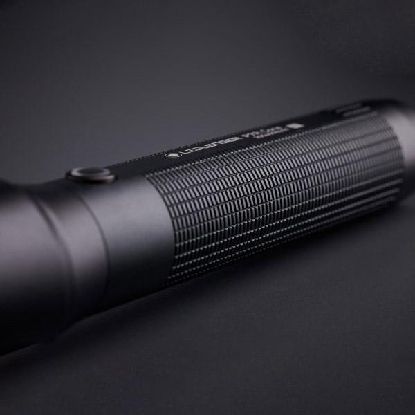 Đèn Pin Cầm Tay LEDLENSER P7R Core